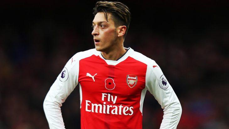 Mesut Özil, Barcelona'da!